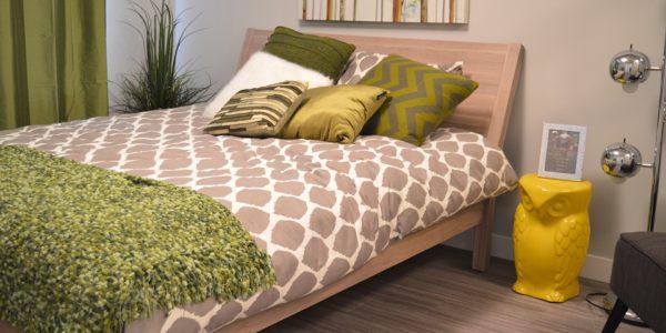 Спальня в ярких расцветках
