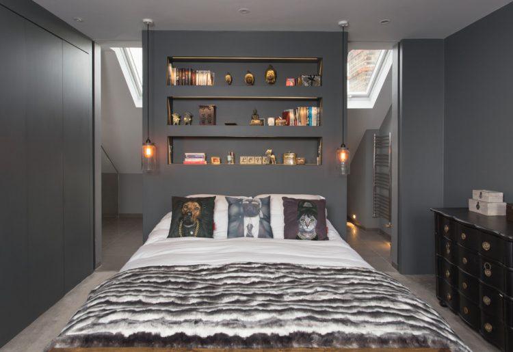 Пространство за кроватью
